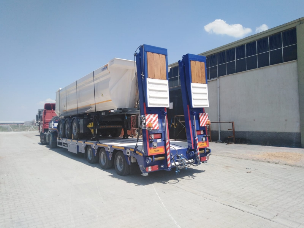 Tipper semi trailer according to european standard