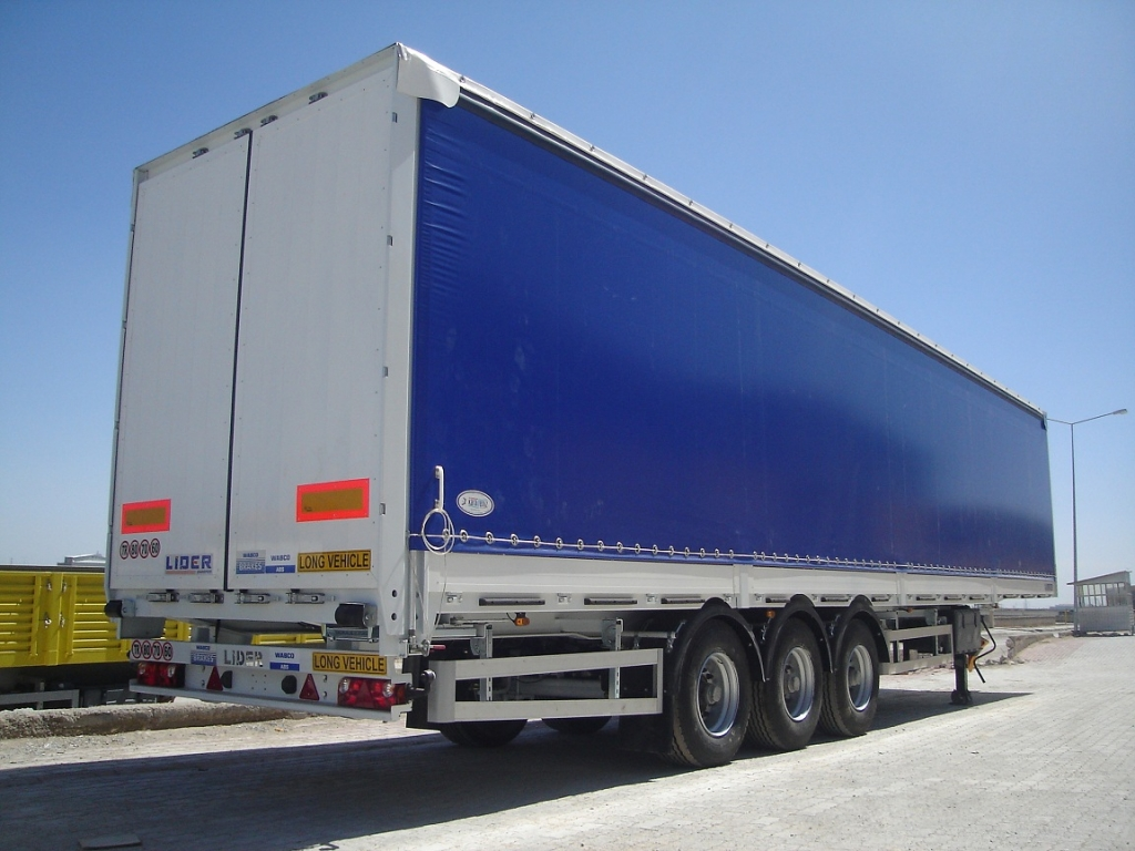 Curtainsider semi-trailers